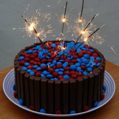 Sparklin' 4th of July, Independence KitKat cake!