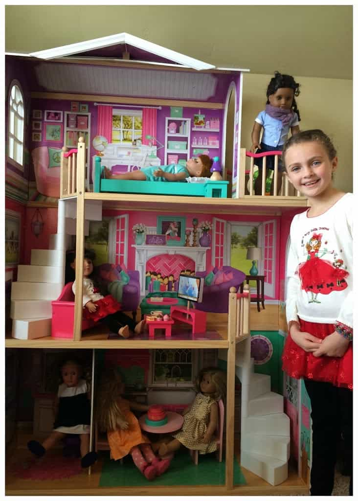 KidKraft Dollhouse For 18 Inch Dolls And Accessories