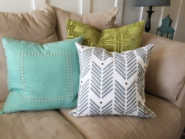 Make your own Pillows with Stencils