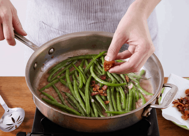 Crisp Haricots Verts In A Sweet And Sour Bacon Sauce