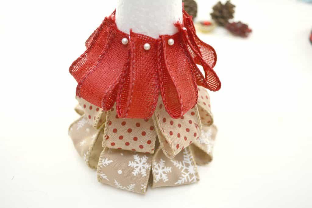 Easy Burlap Ribbon Christmas Tree