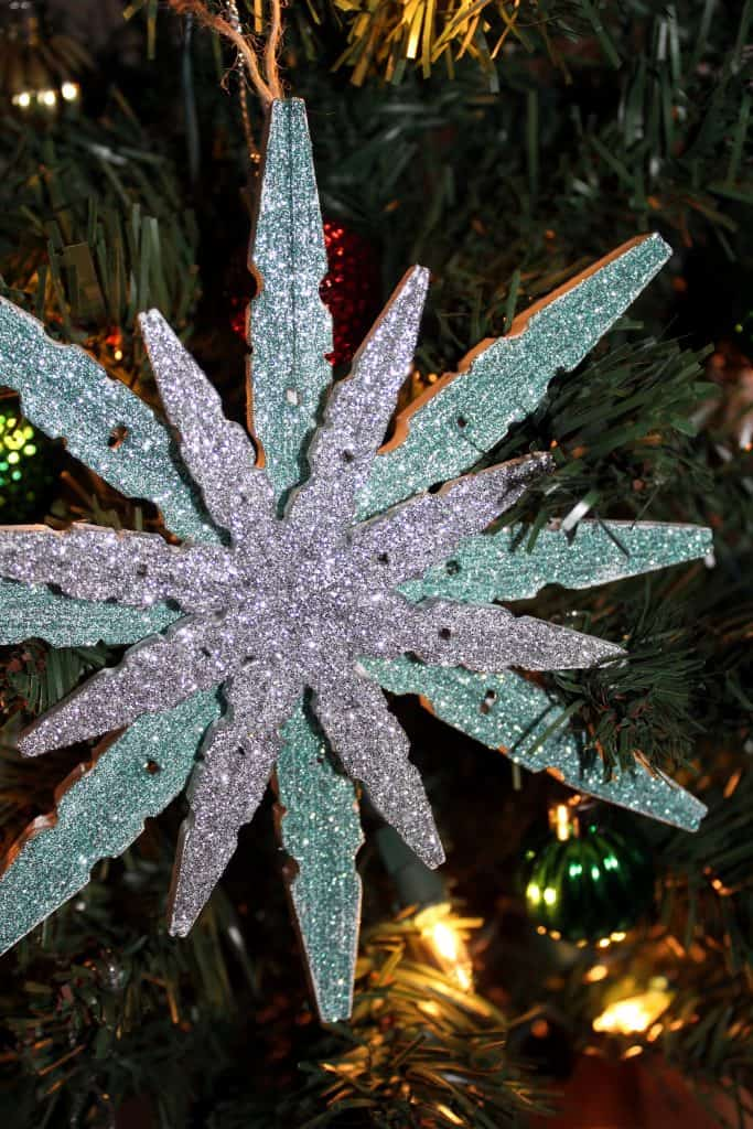 This Clothespin Glitter Snowflake Ornaments Is A Fun