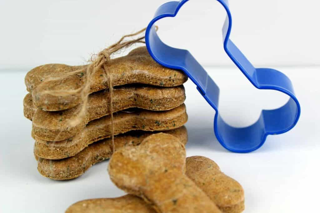 Chicken and Parsley Homemade Dog Biscuit Recipe