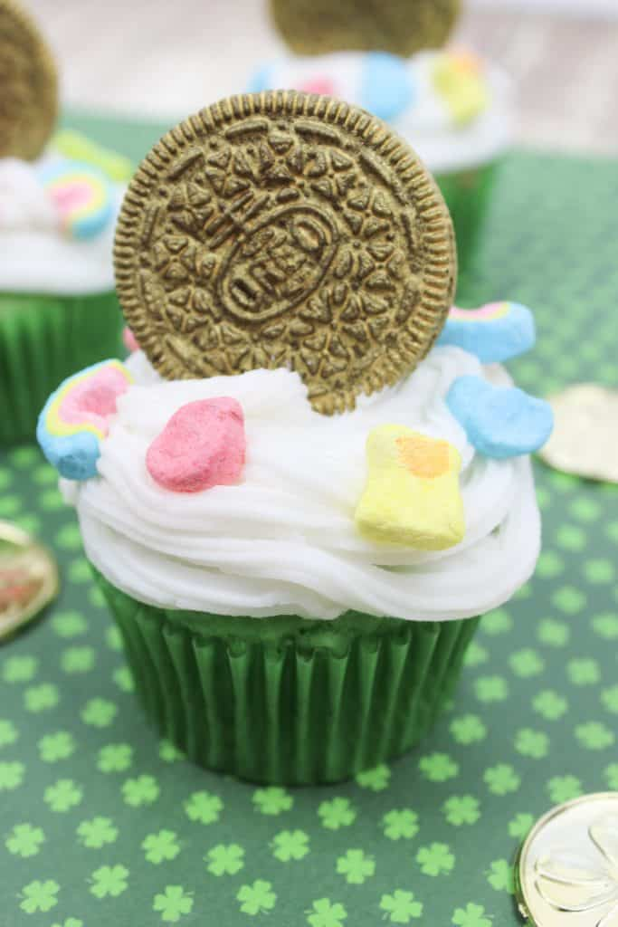 A cake made to look like a cup, with Cupcake and Oreo