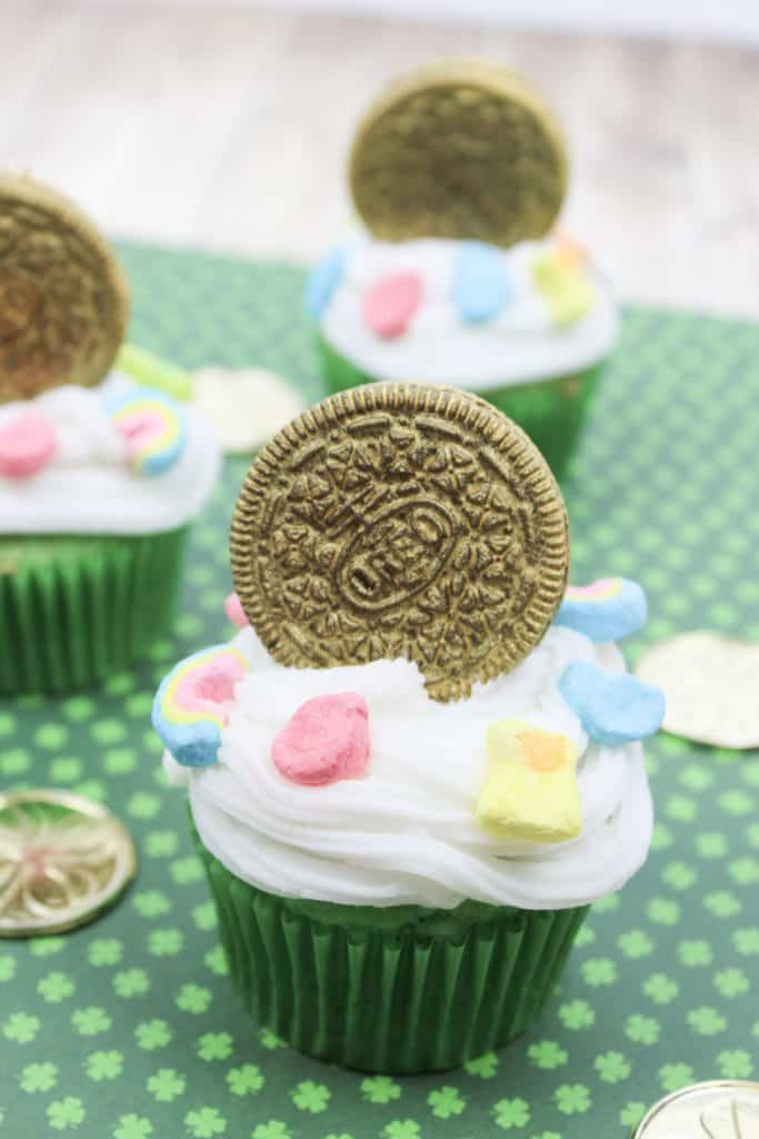 Lucky Charms Golden Oreo Cupcakes