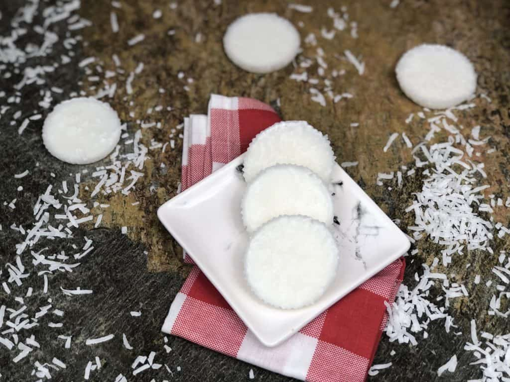 Keto Coconut Fat Bombs