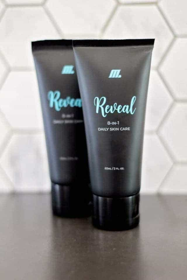M Global 8n1 Reveal skincare with hyaluronic acid