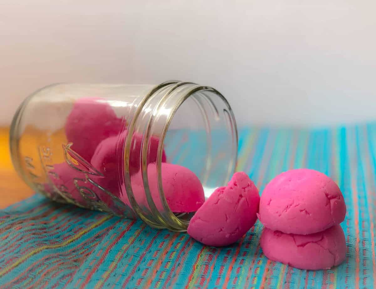 Shower melts in jar on table