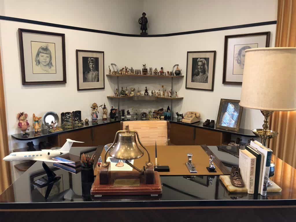 Tour of Walt Disney's Office