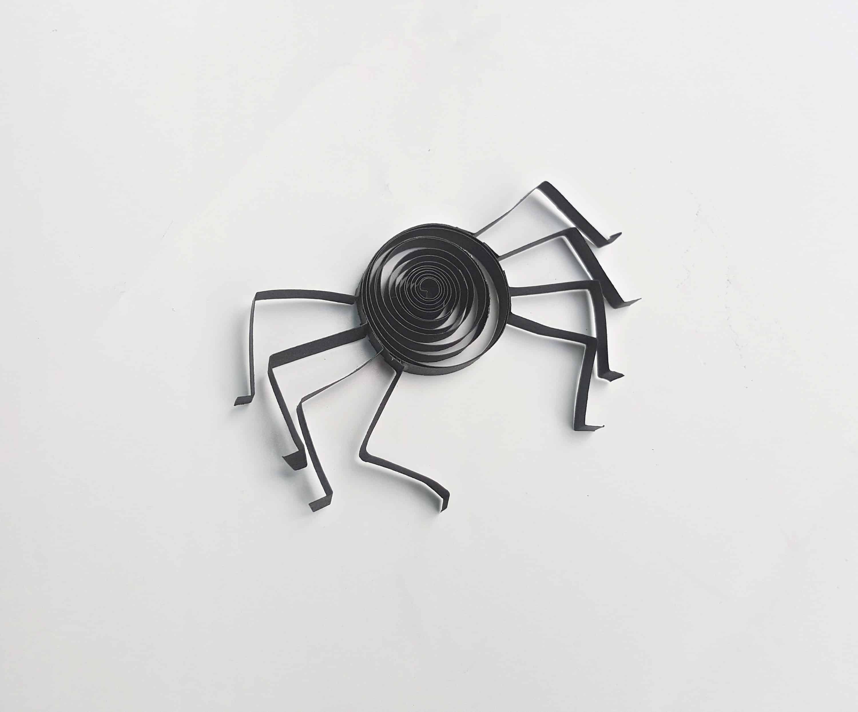 how to make a quilled spider tutorial