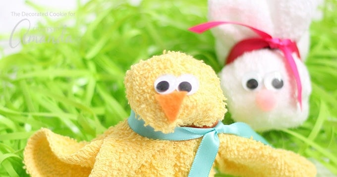 Washcloth Bunny and Chick: an adorable craft for a baby shower or Easter
